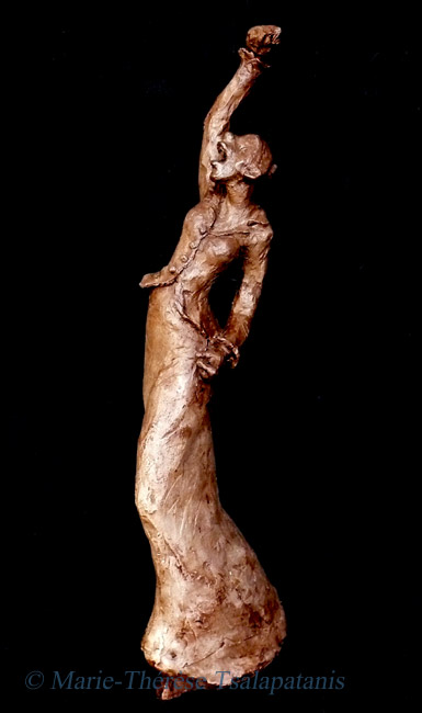 sculpture-marie-therese-tsalapatanis-suffragette 1